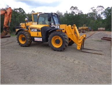 JCB 531-70 with forks, jib and man basket