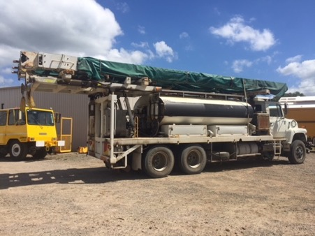 09 87Ford L9000 6 x 4 Pressure Grout Body 8