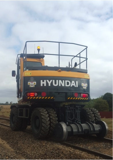 K AND G MACHINERY HI-RAIL HYUNDAI 140W-9 EXCAVATOR