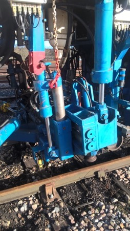 08-16 compact switch tampers Lifting beam